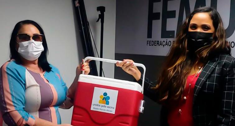 doação de três (03) caixas térmicas para transporte de vacinas